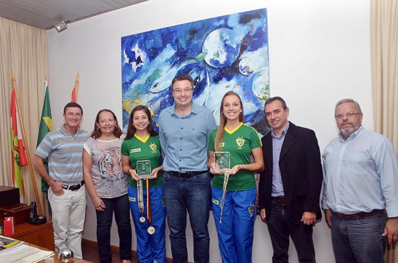 Blumenauenses representam a Seleção Brasileira de Bolão 16